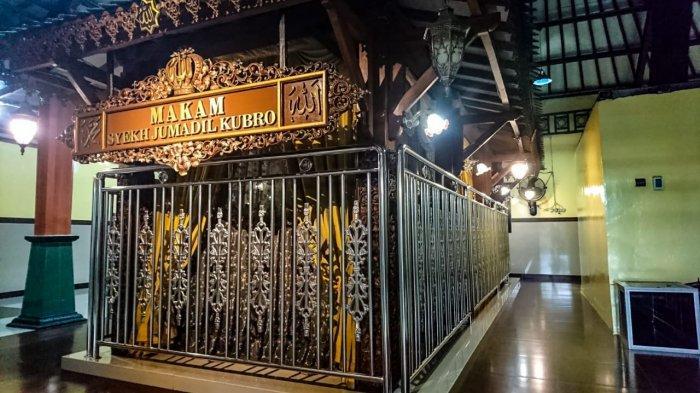 Makam Syekh Jumadil Kubro, sumber Tribun