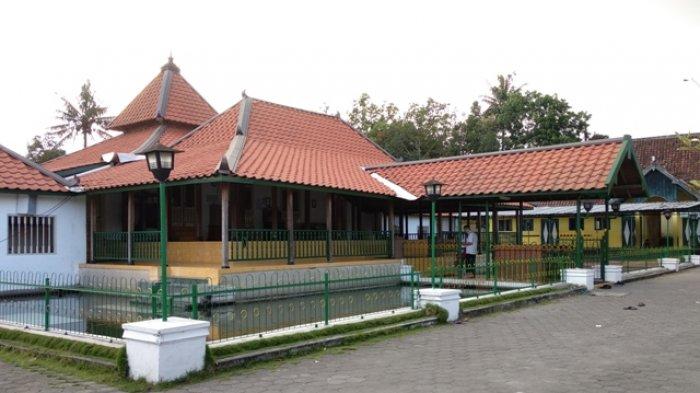 Masjid Plosokuning, sumber Tribunnews