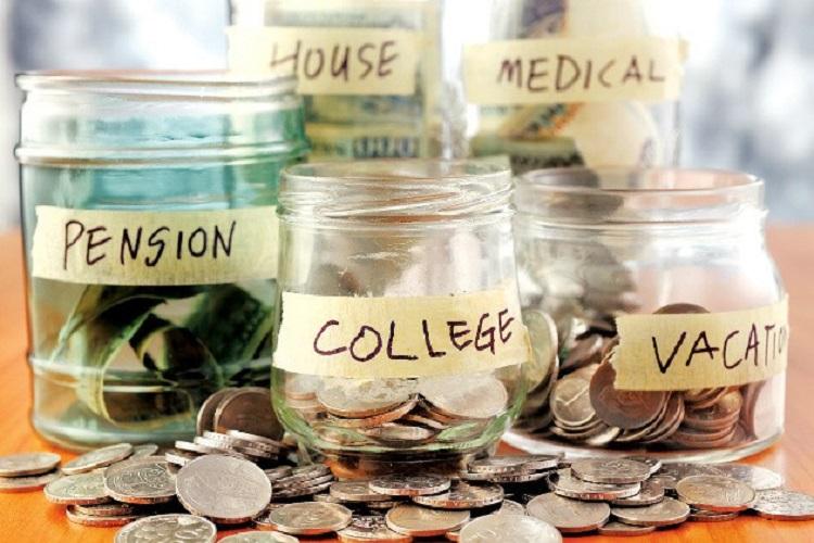 Ilustrasi menyisihkan uang, Sumber : glitzmedia.co
