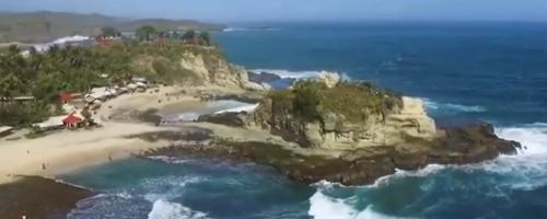Pemandaangan Pantai klayar di pacitan